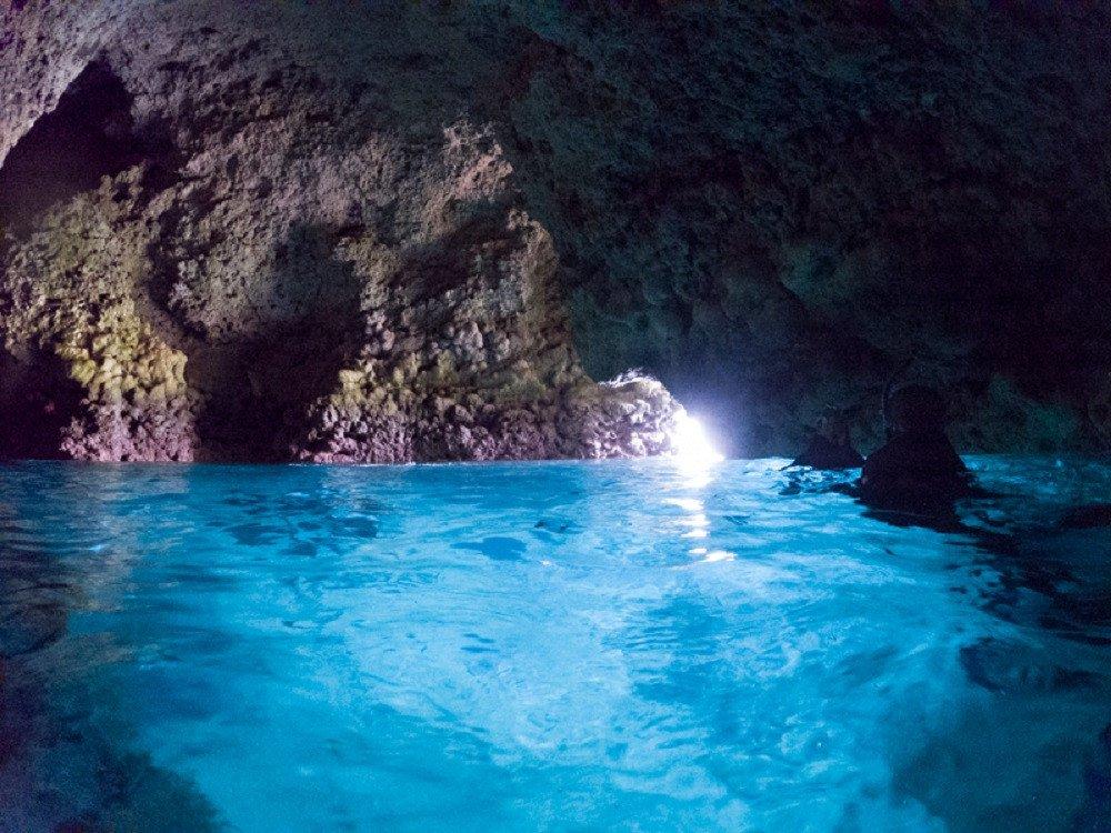 撮影地:青の洞窟