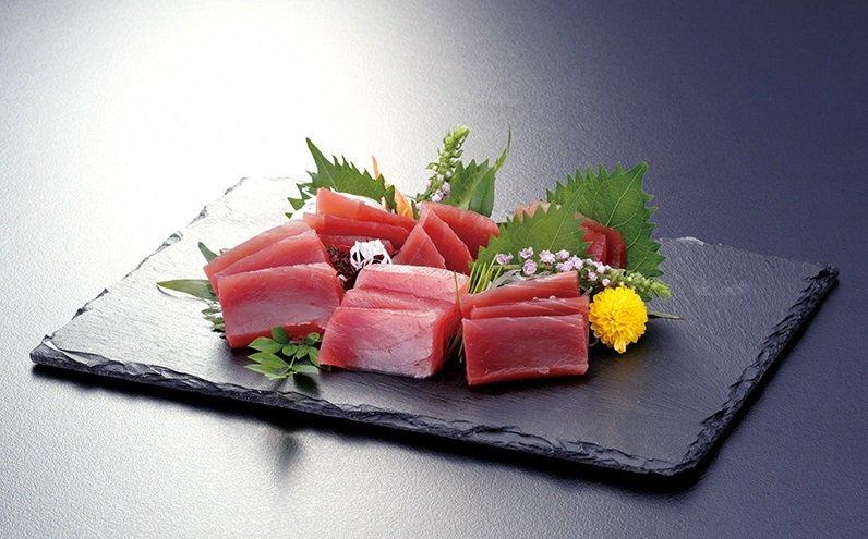 【3月】天然マグロ約1㎏(天然メバチマグロ)