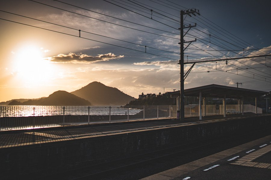 撮影地:梅津寺駅