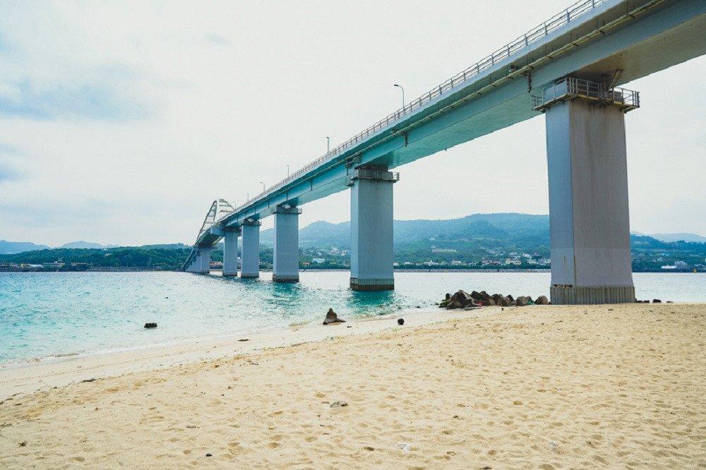撮影地:瀬底大橋