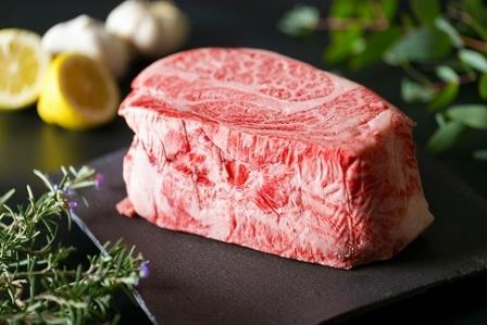 (まるごと糸島)A4ランク糸島黒毛和牛肩ロース肉ブロック(ローストビーフ用)約1キログラム