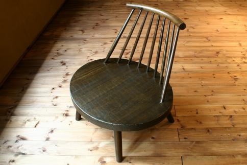 日本の職人の細かな技が魅せる【異邦人あぐら椅子1脚】