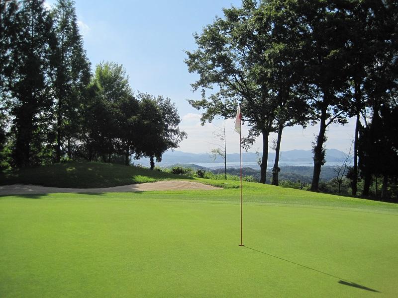 【尾道うずしおカントリークラブ】1名様分 平日ゴルフプレー招待券
