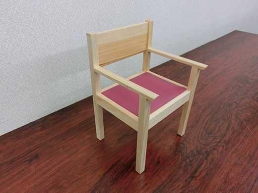 ディスプレイ用木製椅子