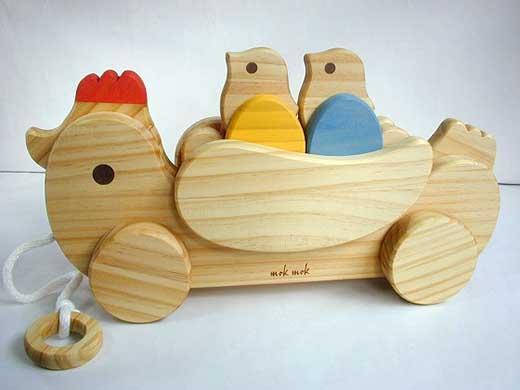 木のおもちゃ「組立てコッコちゃん羽付」