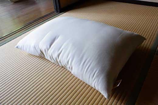 希少な富山産の綿で作った快眠、肩腰楽・和綿まくら
