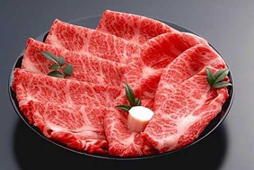 【4等級以上の未経産牝牛限定】近江牛肩ロースすき焼き500g【AF03SM-C】
