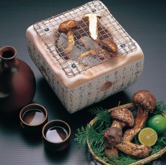 産地厳選!希少な「国産松茸」約200g【専用箱入】(和歌山県産ほか)