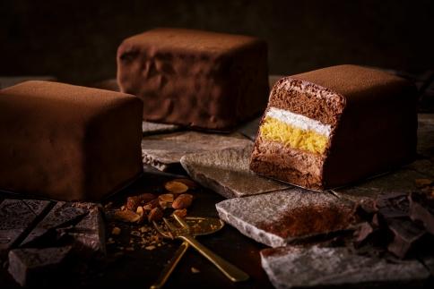 長崎の歴史とロマンを凝縮したリッチなショコラケーキ「長崎浪漫菓子グラバー園の石畳ショコラ」