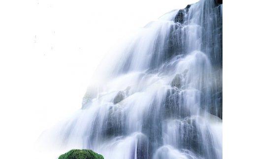 祖母傾山系、一万年岩層の天然超軟水「一万年の雫」(2L×6本)