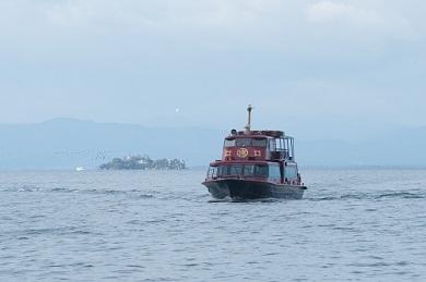 彦根港発竹生島観光船往復