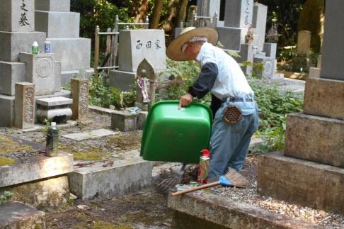 お墓のお掃除サービス