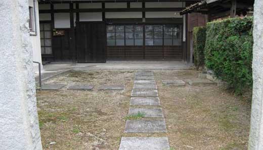 空き家、敷地、墓地の管理オプションB(剪定1回)