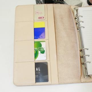 SI01-34エイジングが楽しめるヌメ革のシステム手帳【A5サイズ】