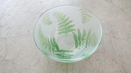 【ガラス】羊歯模様の小鉢