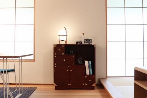 職人の技術を感じる伝統工芸品【吉野プレミアム80階段箪笥吉野色】