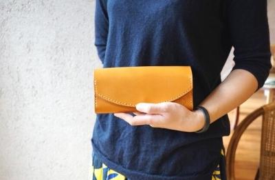 【ギフト用】【職人手縫いの本革製品】長財布(キャメル)