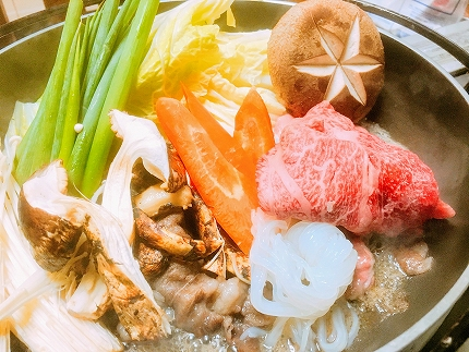 ◆黒毛和牛近江牛【特上霜降】ロースすきやき用500g冷蔵