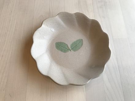 ★受付終了★【陶器】花型皿 ミント柄 3色セット(緑・ベージュ・薄茶)