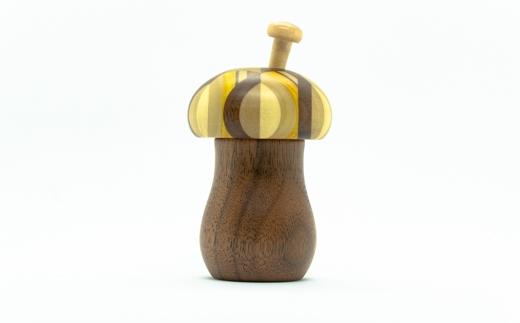 ≪箱根寄木細工≫きのこ七味入れ