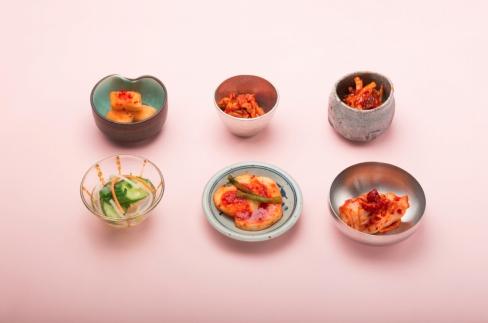 川崎名物「おつけもの慶kei」6種の定番キムチ盛合せ