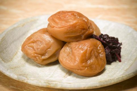 【紀州南高梅使用】昔懐かしの味「うす塩風味梅干」1kg