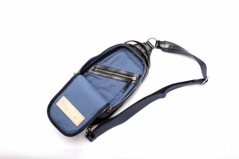 ボディバッグ 豊岡鞄 TRV0405-50(ネイビー)