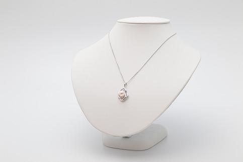 あこや真珠 SVデザイン(ルビー入り)ペンダントB(8~8.5mm珠)