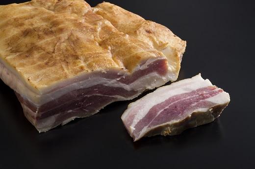 発酵熟成豚バラの自家製燻製肉 200g