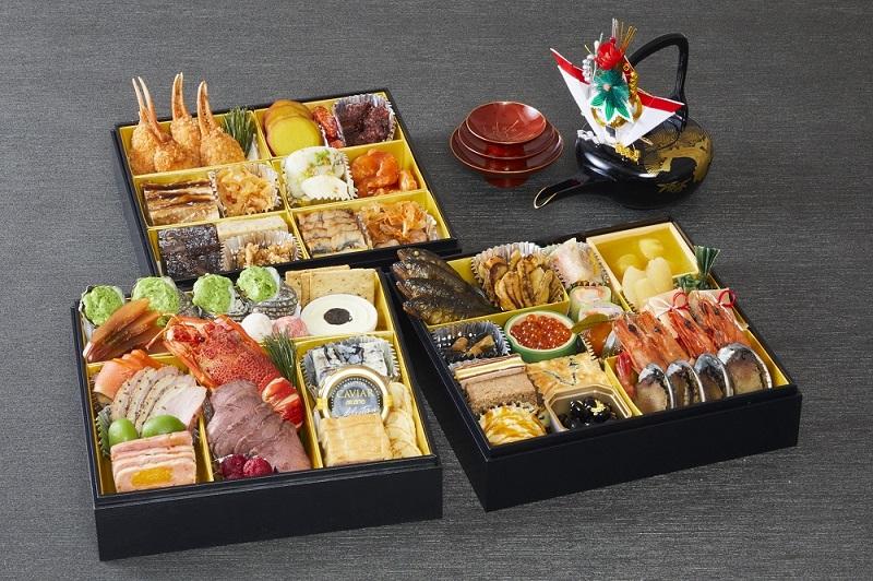 川崎日航ホテル「和食・洋食・中華のおせち三段重」