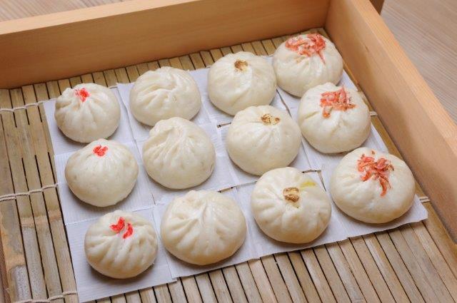 横須賀野菜とモチモチ生地の手作り「にっぽん肉まん」4種セット