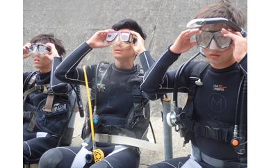 すさみの海で体験ダイビング!海中ポストへのハガキ投函付き!