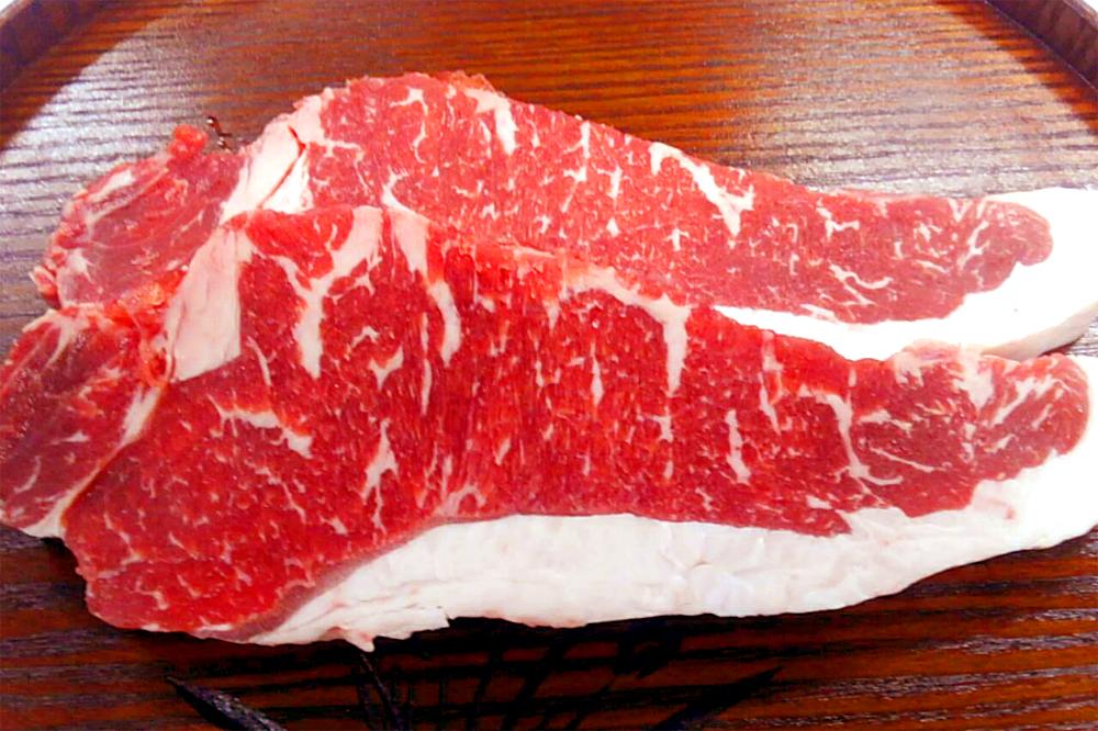 北海道ハーブ牛ロースステーキ(320g)