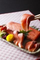 【若男水産】【極上とろける食感!淡路島サクラマス】淡路島で育ったサーモン800g