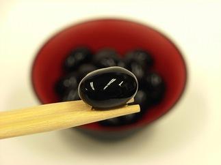 丹波の高級素材を使った「丹波大納言黒豆ぜんざいと大粒黒豆煮のセット」