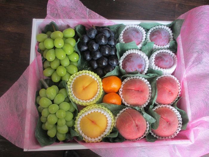 【月間15セット限定】《シルバー》フルーツアドバイザー認定スタッフが選ぶ旬のフルーツ詰め合わせ