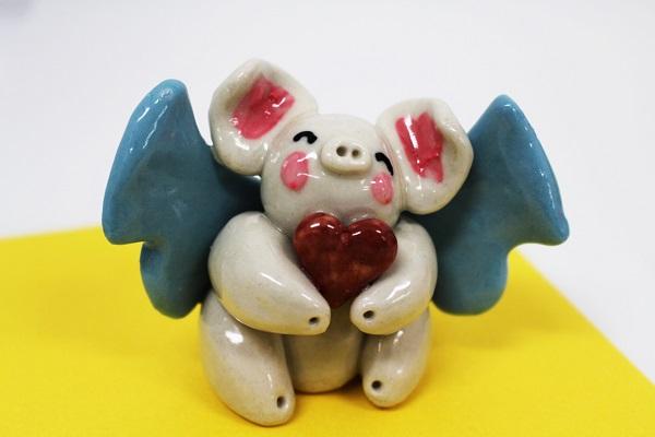 ☆沖縄豚伝説☆ハート飛豚(とんとん)陶置物
