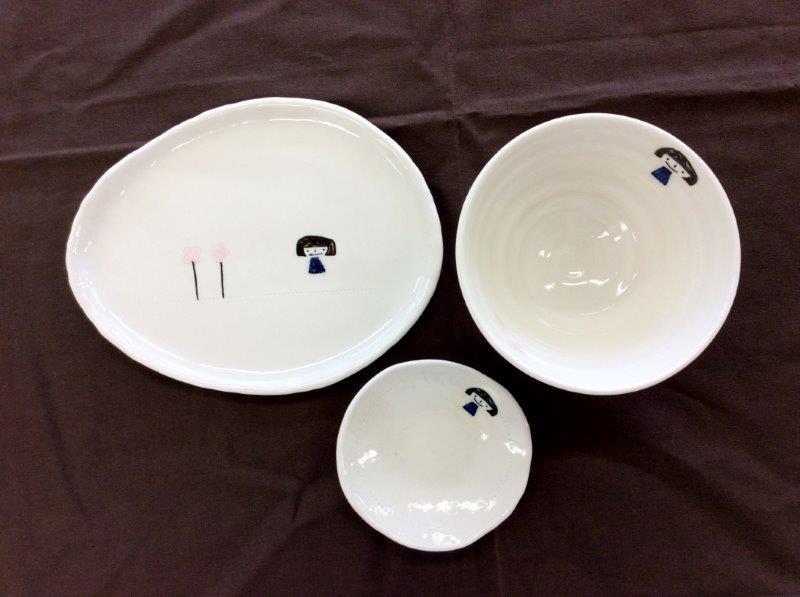 女の子柄名前入れ茶碗、小皿、皿セット(子ども用)