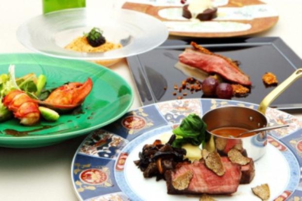 渋谷の閑静な住宅街にあるチャペル付きの隠れ家レストラン「アンジェパティオ」ペアディナー食事券   ~CASTELLO カステッロ~