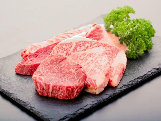 【牧場直売店】神戸ビーフ 特選カットステーキ 7枚(合計700g)