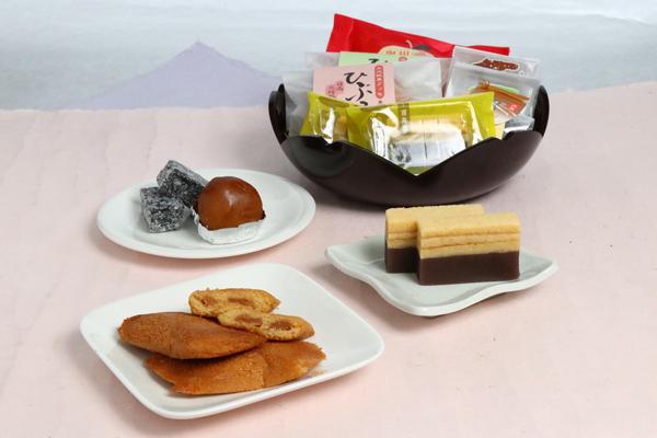 奥州初恋りんごと和菓子の詰め合わせ