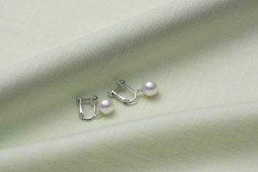真珠品評会入賞常連のオーハタパールが作る海の宝石アコヤ真珠ゆれるイヤリング
