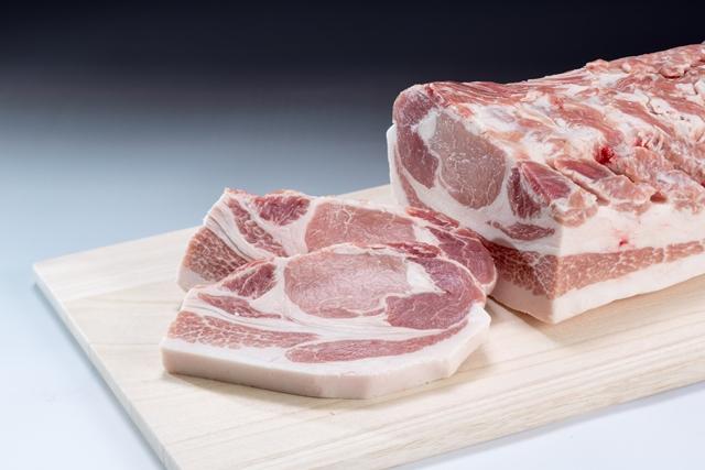 「和豚もちぶた」ロース厚切り肉1.5kg
