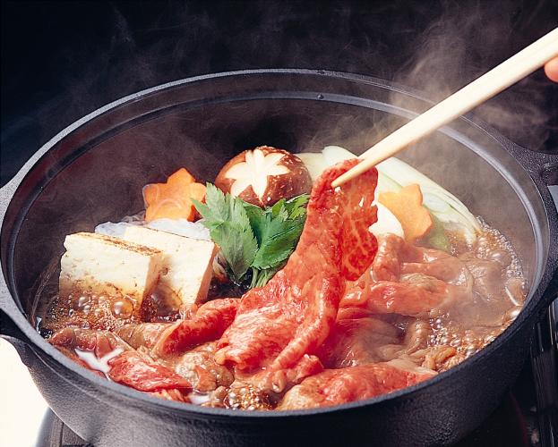 BA02 厳選A5-A4米沢牛・山形牛食べ比べすき焼き450gx2(タレ付)