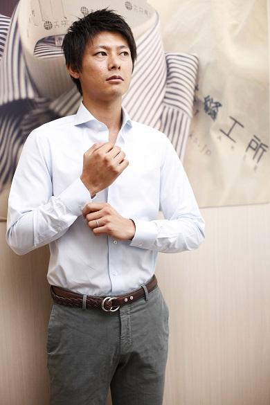 MADEINTAMANOの高品質紳士用オーダーシャツ<MadetoMeasure>+チーフセット