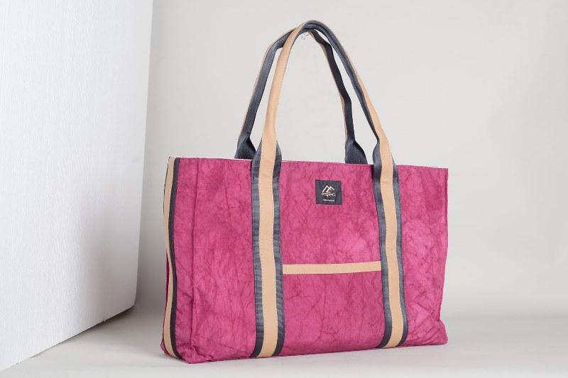 BB02 自動車のエアバッグが素材の耐久性に優れた男女兼用トートバッグ【L】Pink