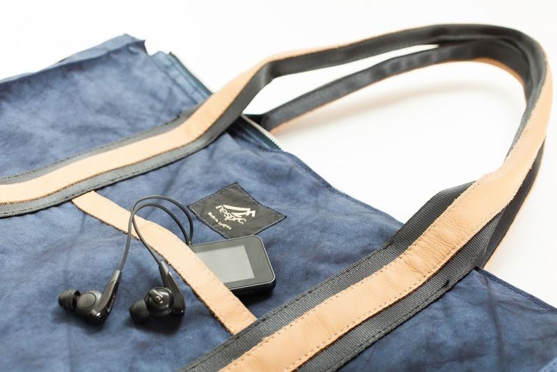 BB03 自動車のエアバッグが素材の耐久性に優れた男女兼用トートバッグ【L】Blue