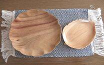 手彫り菊の大皿と木の葉の小皿セット