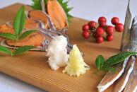 近江米でじっくり熟成発酵させた国産の天然子持ち鮒寿司スライスS