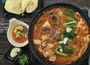 日本海牧場のホルモン鍋(みそ味)ホルモン、牛すじ、九条ネギ、麺2玉付